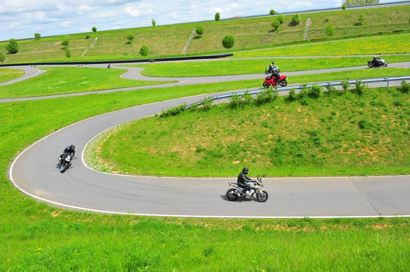 Streckenführung wie in den Alpen: auf dem Handlingkurs